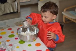 L'Activité Montessori du Jour: la pâte à sel