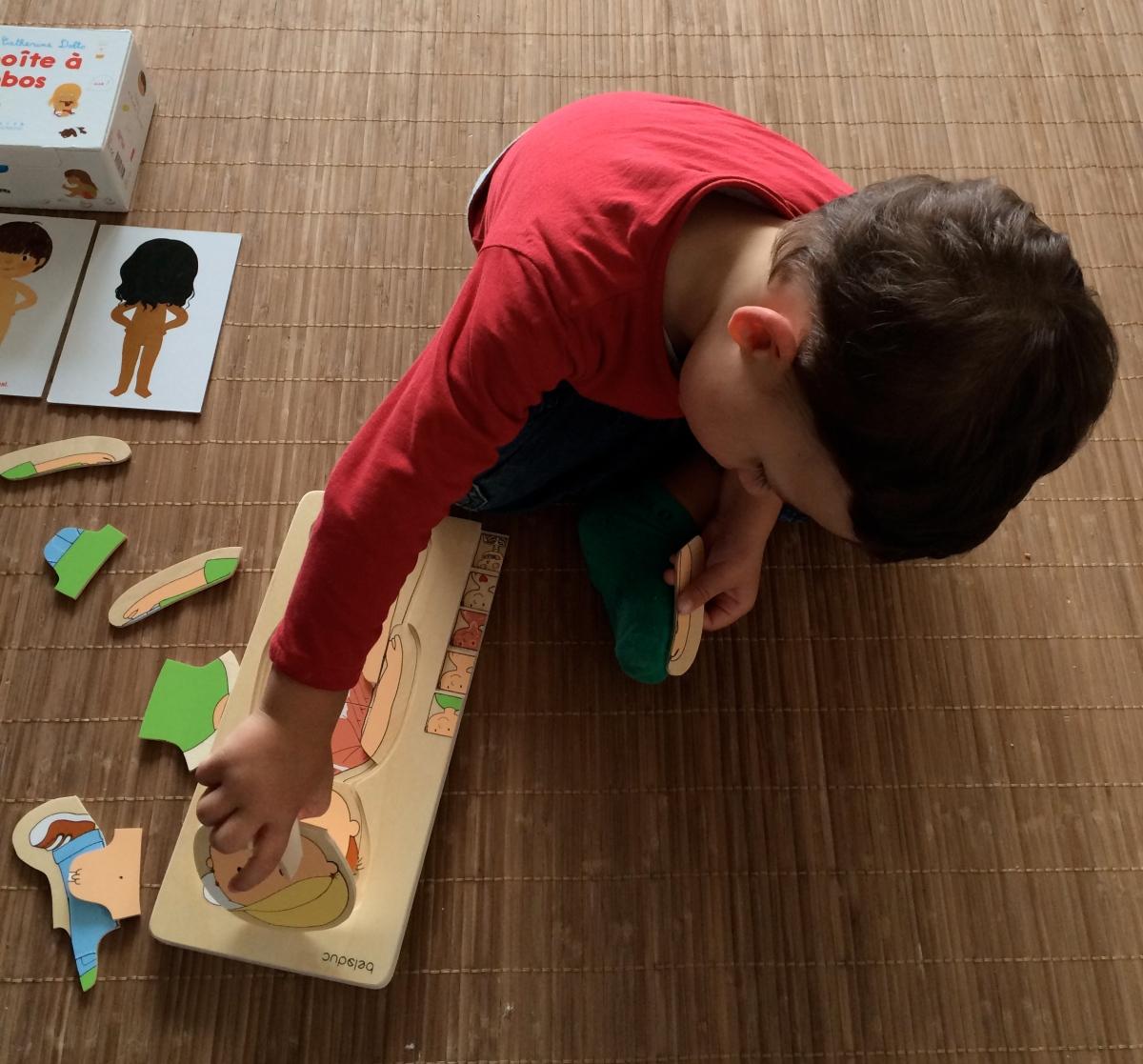 L'Activité Montessori du Jour : la boîte à bobos