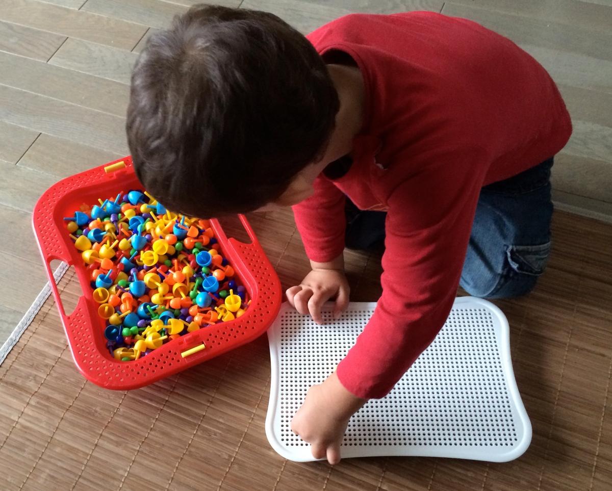 L'Activité Montessori du Jour : mosaïque de couleurs