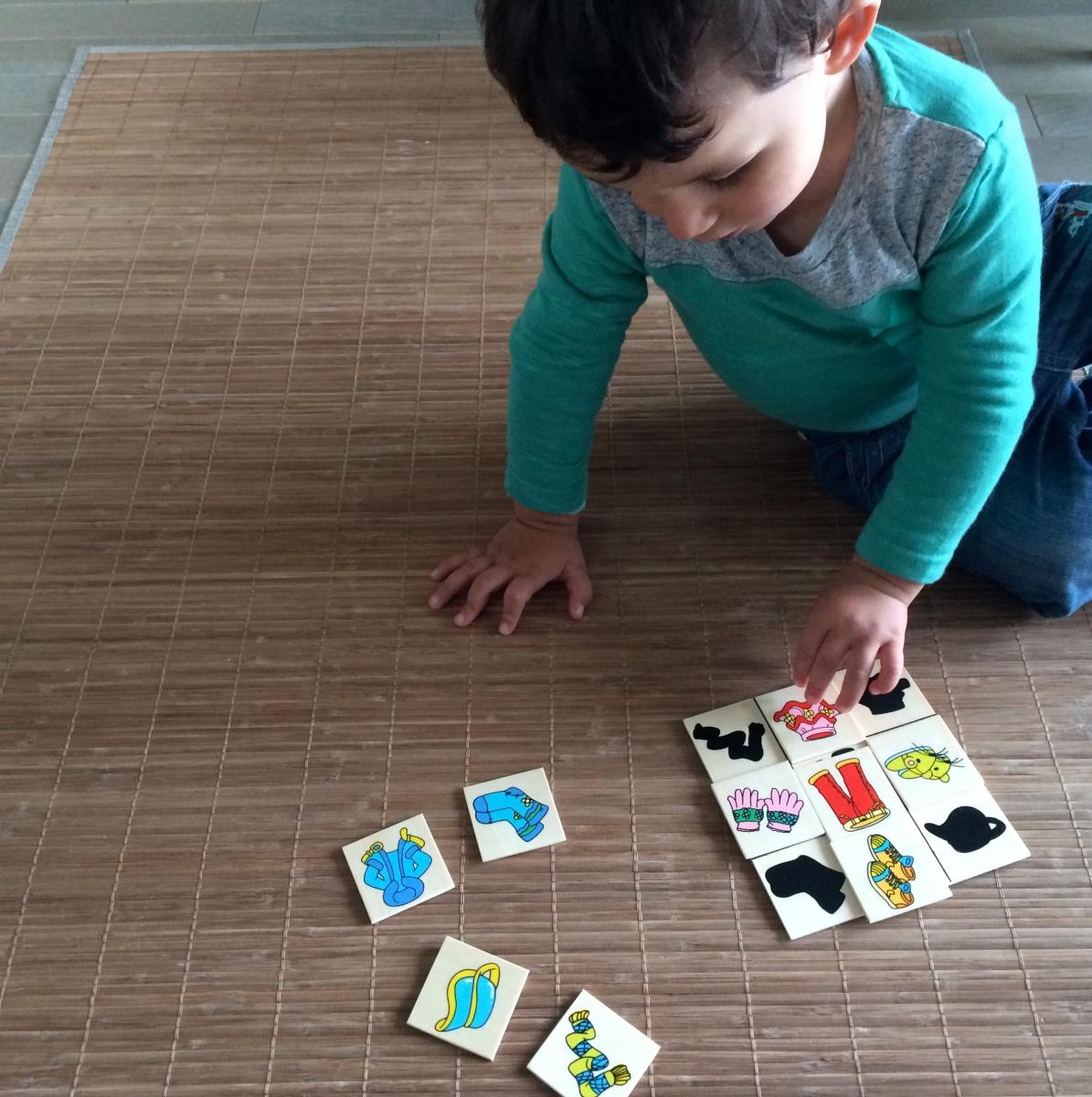 L'Activité Montessori du Jour : le jeu des ombres