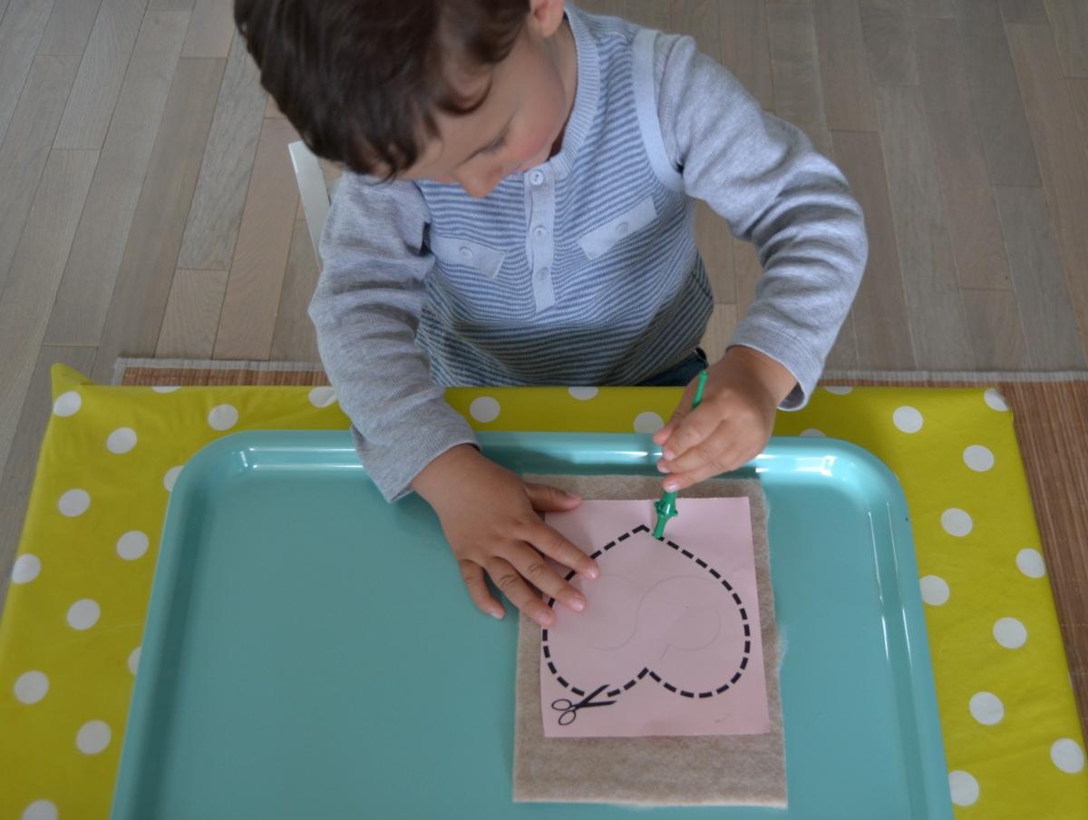 L'Activité Montessori du Jour : dessin à poinçonner