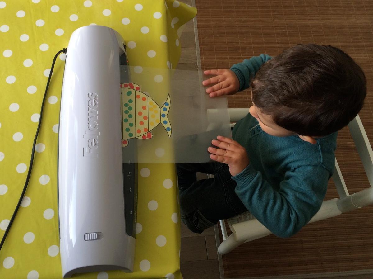 L'Activité Montessori du Jour : plastifier
