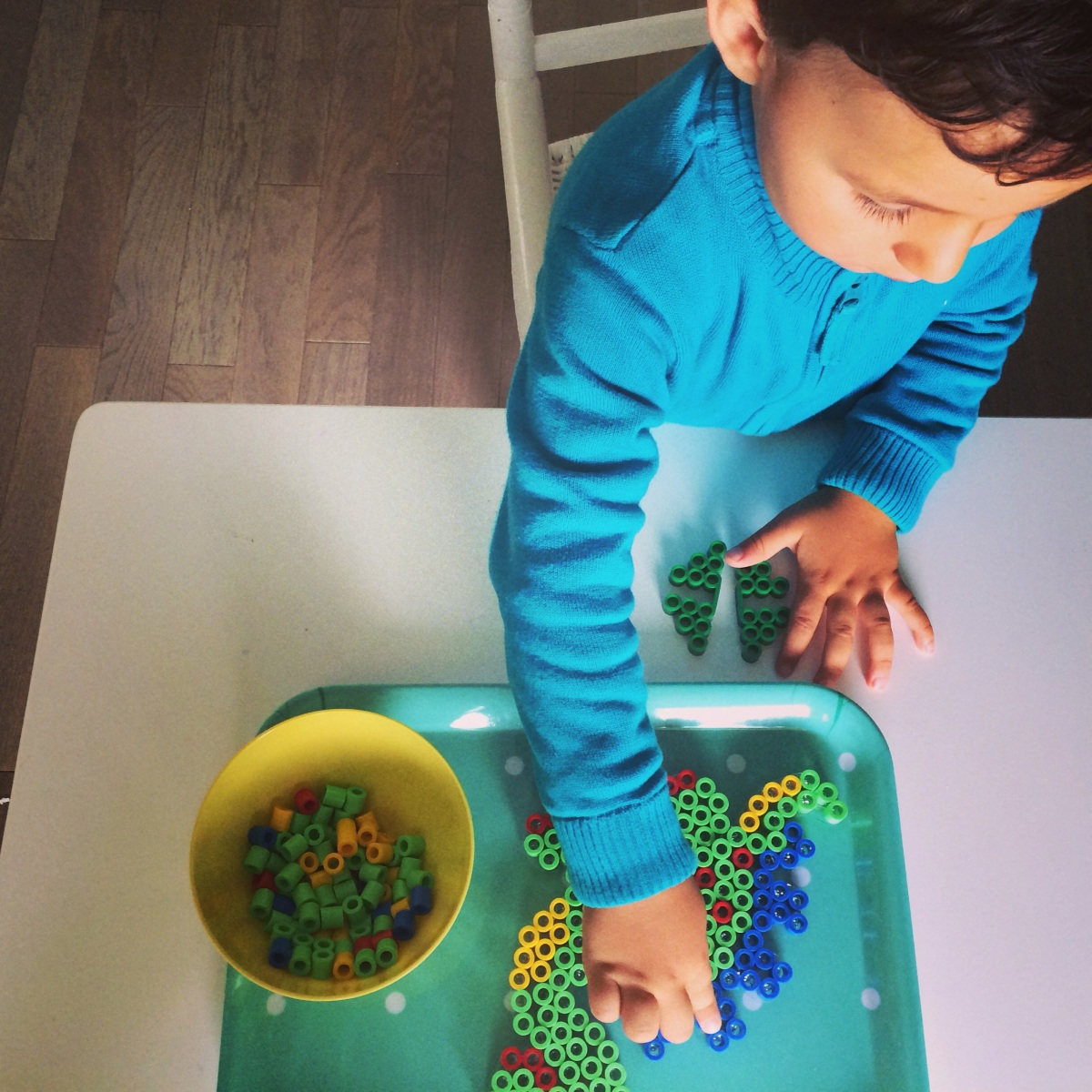 L' Activité Montessori du Jour : perles à repasser