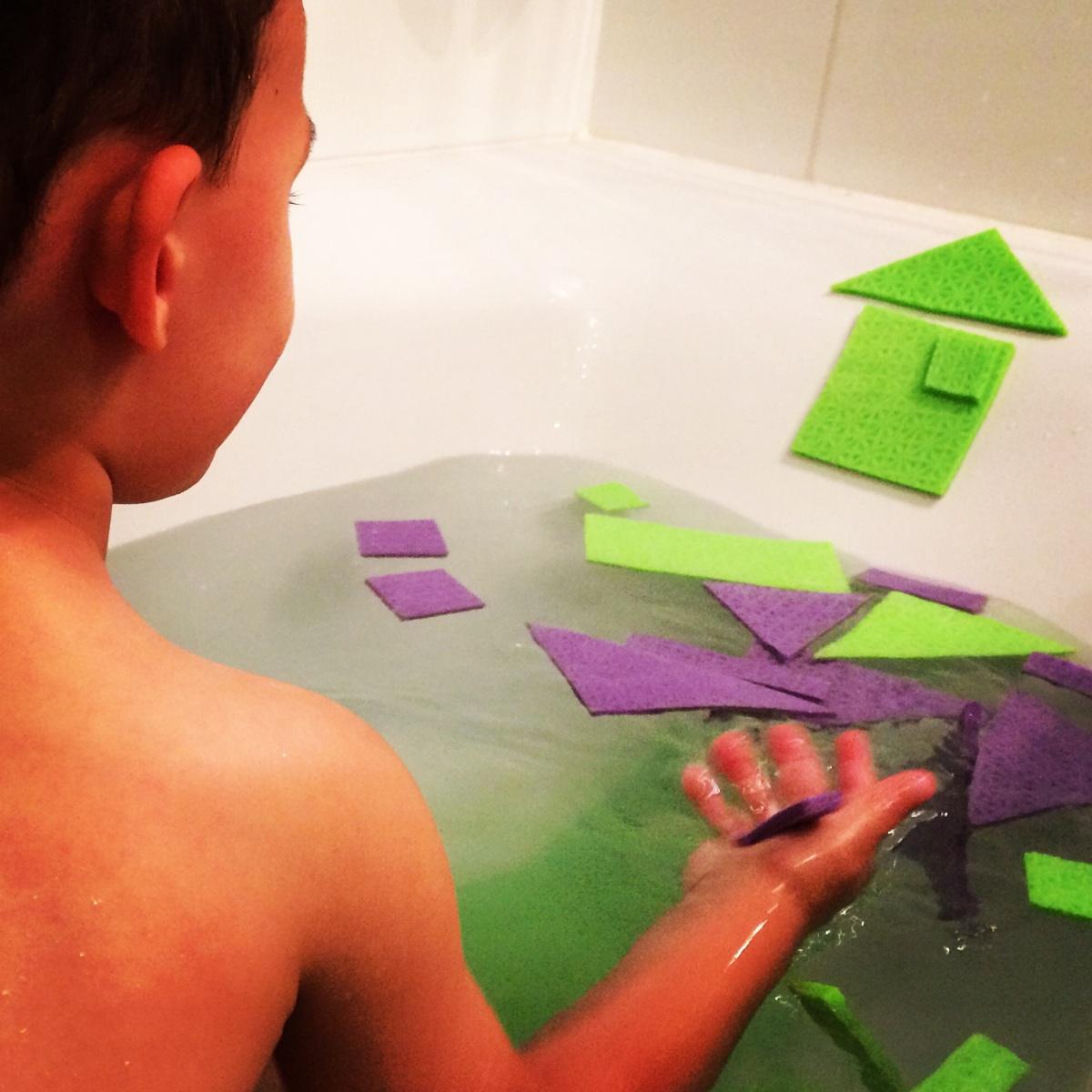 L'Activité Montessori du Jour : tangram de bain