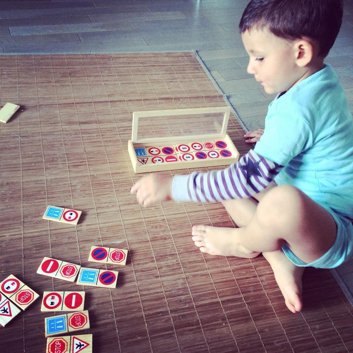 L'Activité Montessori du Jour : code de la route