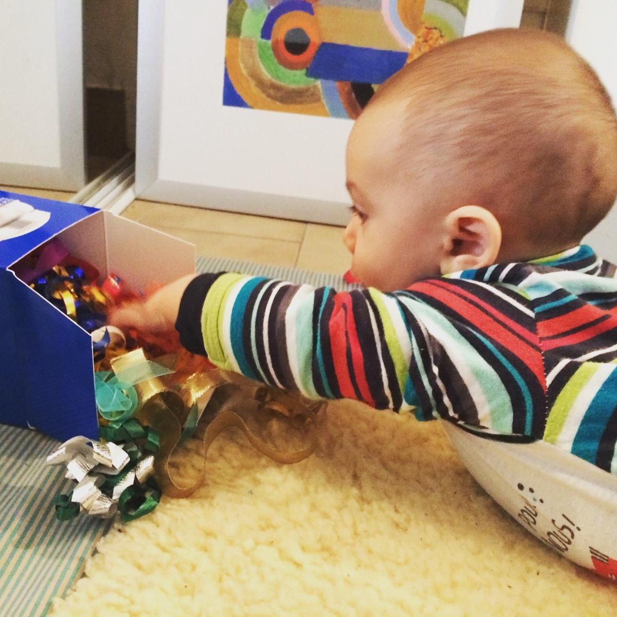 L'Activité Montessori du Jour : la boîte à rubans