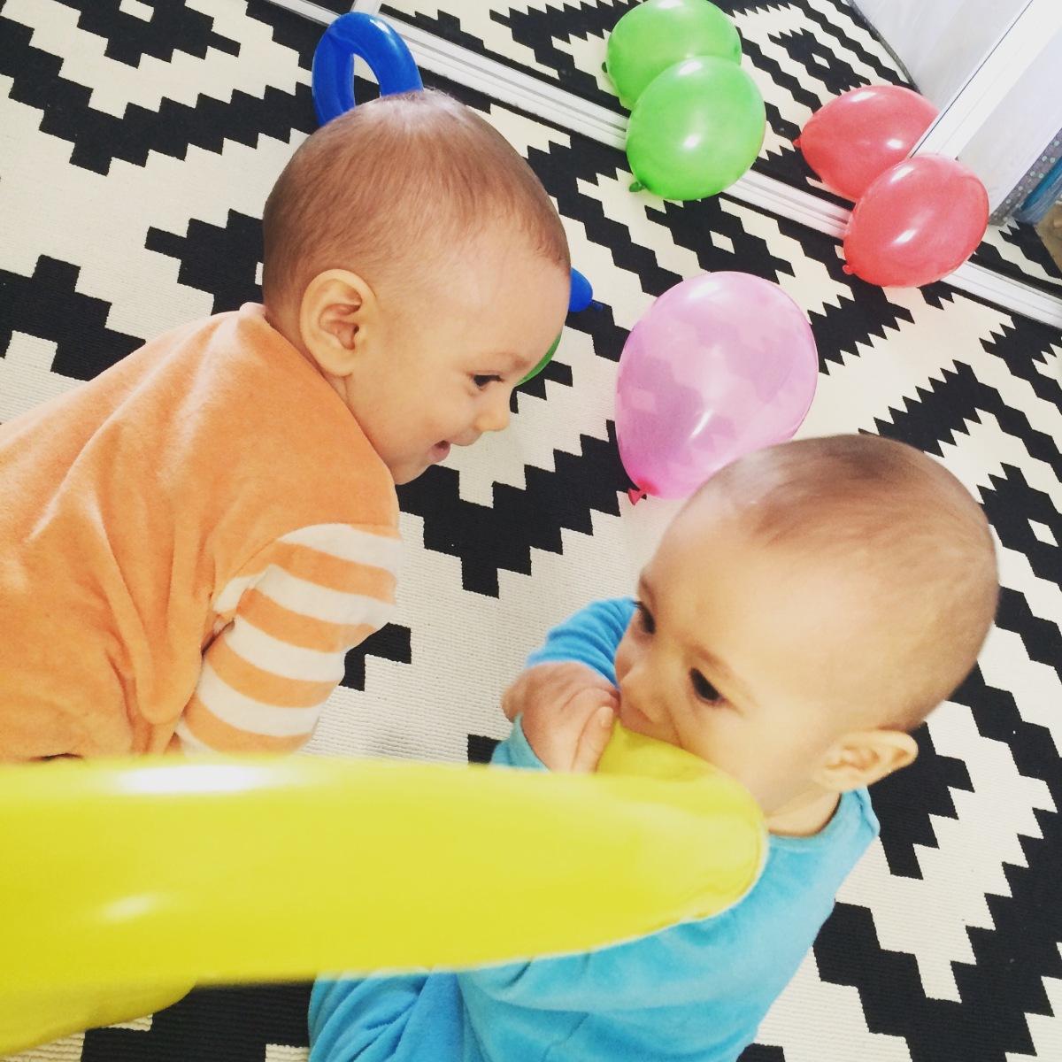 L'Activité Montessori du Jour : expériences sensorielles